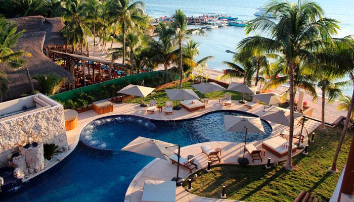 Piscina de Hotel Belo Isla Mujeres